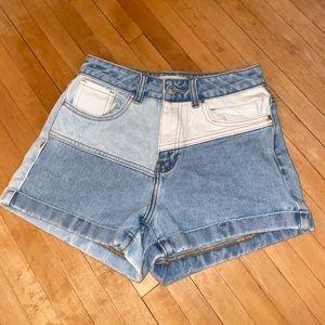 Basically new denim color block shorts!
